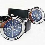 부부의 라운드 다이아몬드 다이얼 플라스틱 스트랩 간단한 쿼츠 시계 (모듬 색상)
