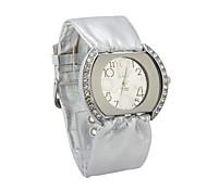 Quartzo do movimento de mulheres de vidro redondo relógio Vestido Forma