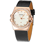 Women's Simple Round Dial PU Band Quartz Analog Wrist Watch (Assorted Color)