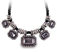 (1 Pc)Vintage (Crystal Gem) as Picture Alloy Statement Necklace(Black)