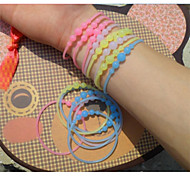 Luminous with Silica Gel Hand Ring Translucent Fluorescent Color Bracelets (Color Random)