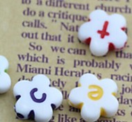 Z&X®  DIY Beads Material Lovely Colored Letter Petal Shaped Beads 30 PCS(Random Color, Pattern)