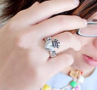 Lureme®Fashion Alloy Crown Heart Ring