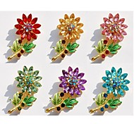 Fashion Sunflower Shape Rhinestones Brooch (Assorted Colors)