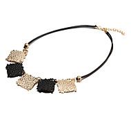 модные два цветовых сборка многоцветный сплав колье ожерелья (1 шт) (золотой, черный)