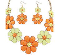 Women's Cute Five Flowers Cluster Bib Statement Necklace Earrings Set