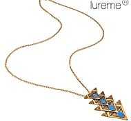 Lureme® Retro Enamel Triangle Pendant Necklace(Random Color)