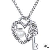 2015 Fashion Crystal Key Short Chain Diamond Love Clavicle Chain Pendant Necklace