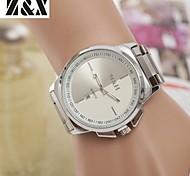 La montre de ceinture en acier analogique mode calendrier de quartz des hommes (couleurs assorties)