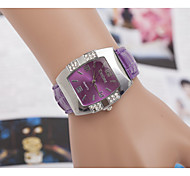 Women's Watches Trends in Europe And America with The Barrel Shaped Casual Leather Strap Watch Cool Watches Unique Watches