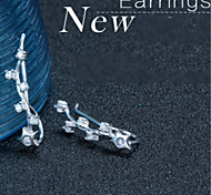 The Korean Version of New High-grade Diamond Crystal Earrings Star Long Elegant Personalized Jewelry