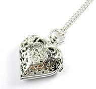 Moda a forma di cuore vuoto orologio da tasca d'argento (argento) (1pc)