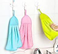 lavare i piatti in cucina colore casuale