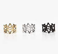Overlapping Fashion Hollow Pentagram Ring(Random Color)