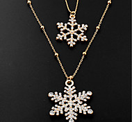 Necklace Statement Necklaces Jewelry Party / Daily / Casual Fashion Crystal / Alloy Silver 1pc Gift