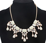European And American Fashion Big Gem Inlaid Colored Necklace