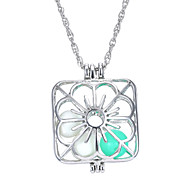 Square Hollow Luminous Flower Necklace