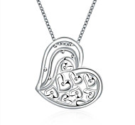 Hollow Love Heart Pendant Necklace Silver Plated Romantic Ladis Pendants Necklaces with Chain(Color:Silver)