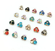 5pcs  Nail Crystal Diamond  Random Color
