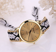 Women's Golden Case Chain Fabric Band Quartz Analog Bracelet Watch (Assorted Colors) Cool Watches Unique Watches Fashion Watch