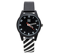 Fashion Watch Quartz Alloy Band Black White Pink