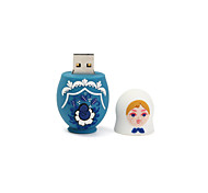 Una muñeca de flash usb flash disk 16gb