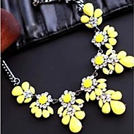 European  (Geometry) Alloy/Rhinestone Statement Necklace(Yellow/Rose/Light Blue/Multicolor/Light Green) (1 Pc)