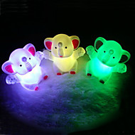 elefante rotocast cor-mudando a luz da noite