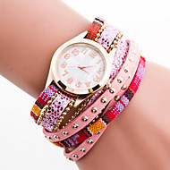 böhmischen Stil Kristall Leder mit Nietband weiß Fall analoge Quarzarmband Art und Weise Uhr der Frauen