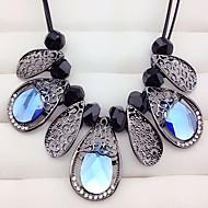 Damen Halsketten Kristall Imitation Sapphire Ovale Form Aleación Modisch Europäisch Blumen Schmuck Für Party Alltag Normal