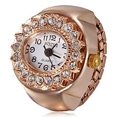 Mujeres Diamante dial redondo de oro rosa cuarzo de la aleación del anillo del reloj análogo