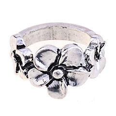 Vintage Style Alloy Three Flowers Ring