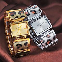 Women's Simple Rectangle Dial Leopard Pattern Steel Band Quartz Analog Wrist Watch (Assorted Colors)
