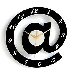 elegantes relógios de parede decorativos alfabeto - preto + branco (1 x AA)