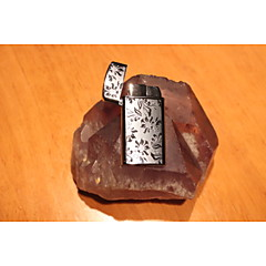 Creative Ultra-thin Electroplating Ghost Treasure Flower Lighter Color Pattern Is Random