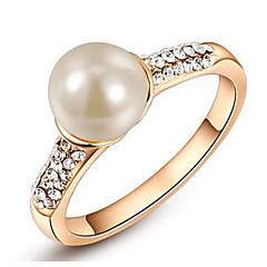 Női Karikagyűrűk Kristály Gyöngyutánzat Alap Szerelem Divat Személyre szabott aranyos stílus luxus ékszer Klasszikus elegáns jelmez