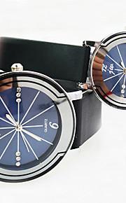 rodada relógio de marcação de diamante bracelete de plástico de quartzo simples do casal (cores sortidas)