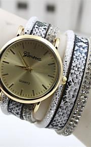 kvinders måde kvarts anolog armbåndsur (assorterede farver)