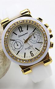 kvinders måde silikone band quartz anolog armbåndsur (assorterede farver)