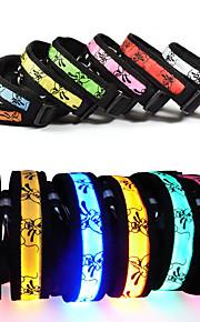 Kissat Koirat Kaulapannat Heijastava LED valot Säädettävä/Sisäänvedettävä Sisältää akut Eloktroniikka/Sähköinen Strobe Turvallisuus