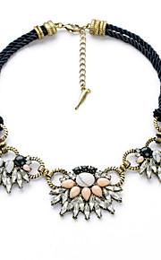 Dame Halskæder Blomstformet Mode Personaliseret Hvid Smykker For 1 Stk.