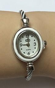 여성용 패션 시계 손목 시계 중국어 석영 합금 밴드 뱅글 캐쥬얼 실버